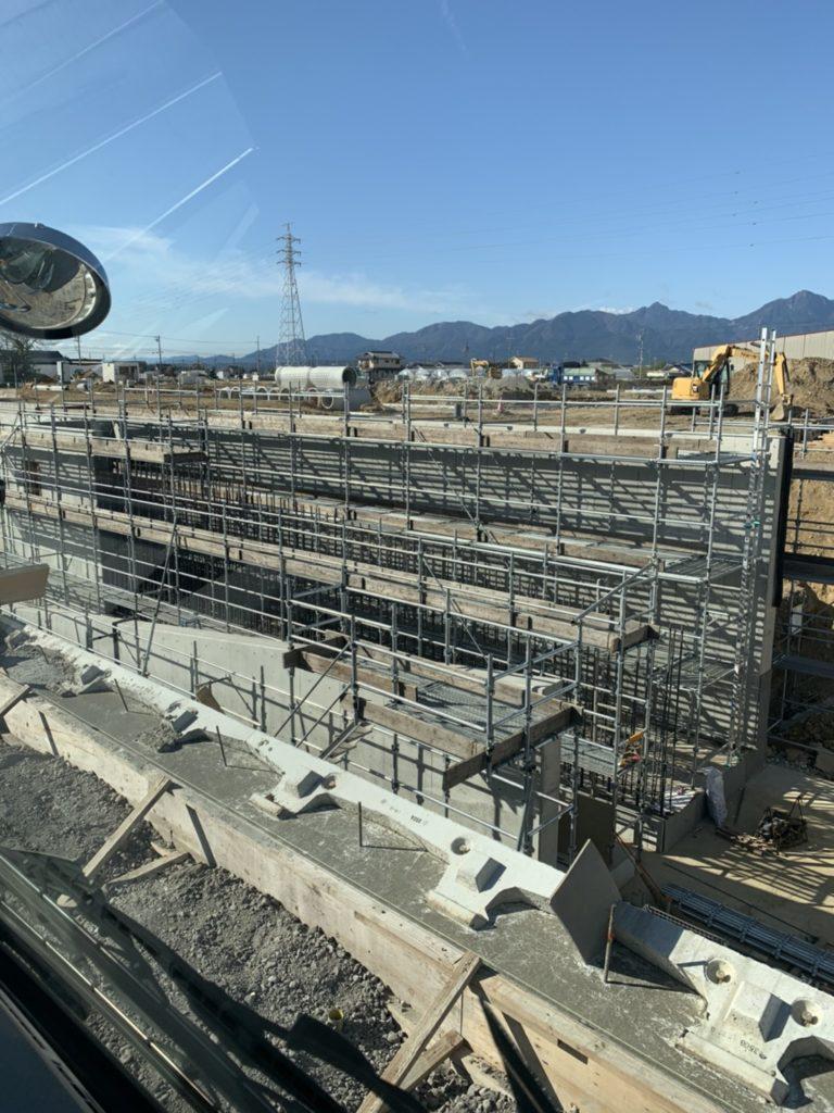 三重県四日市市上海老町 大型水路のコンクリート打設の為の足場工事